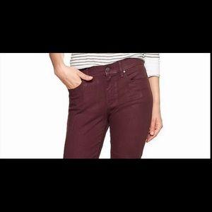 Never-worn GAP 1969 burgundy girl-friend fit jean